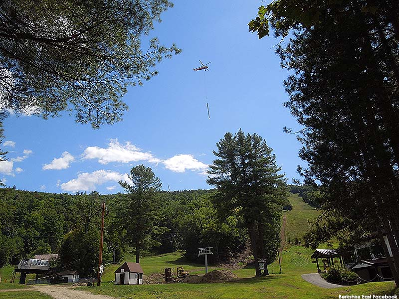 Helicopter installation of the Summit Quad (August 28, 2014)